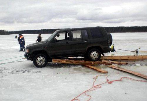 rescatando-carro-ahogado-09